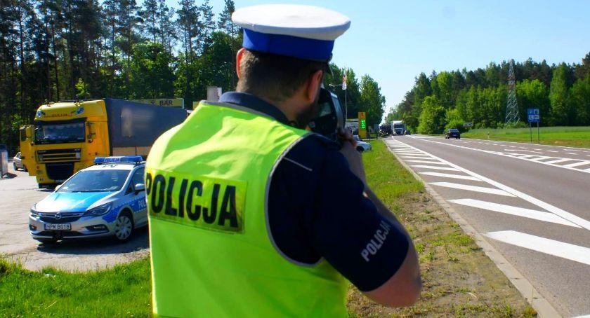 Komunikaty policji , Prędkość kontrolą kierowców jechało szybko - zdjęcie, fotografia
