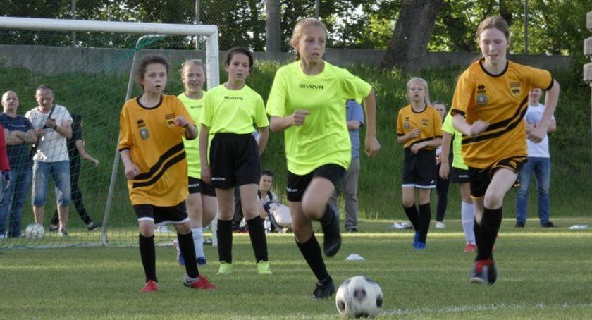 Piłka nożna, Sukcesy zawodniczek MOSiR Łomża - zdjęcie, fotografia
