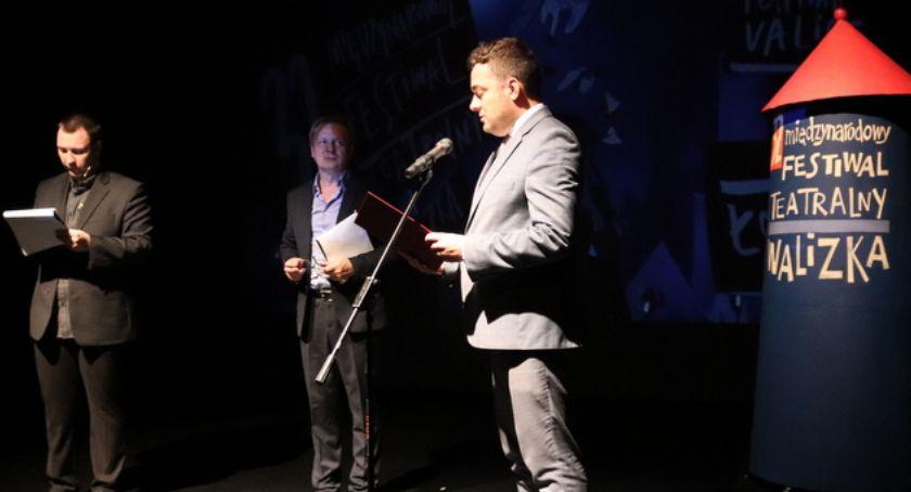 Teatr, Rozpoczął Międzynarodowy Festiwal Teatralny Walizka [FOTO] - zdjęcie, fotografia