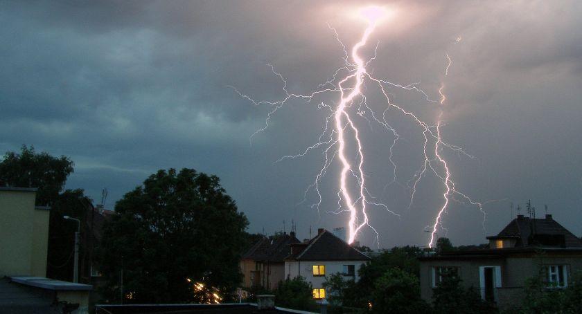 Ostrzeżenia meteo, upałach burze gradem silny wiatr! - zdjęcie, fotografia