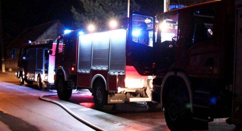 Pożary i interwencje straży, Porywisty wiatr wyrządził szkody Strażacy spali - zdjęcie, fotografia