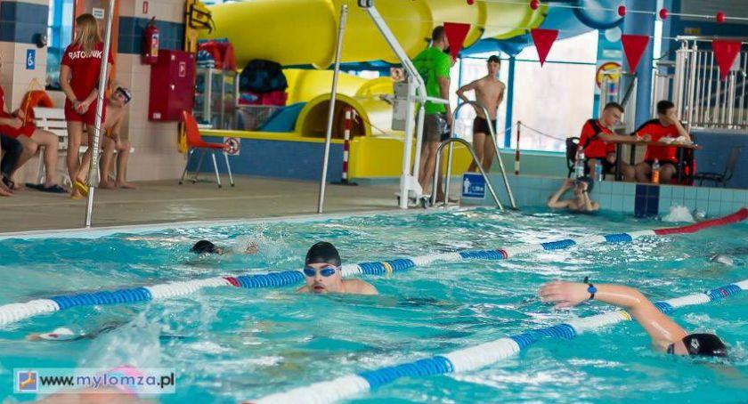 Pływanie, Mieszkańcy Łomży mogą ponownie korzystać Parku Wodnego - zdjęcie, fotografia