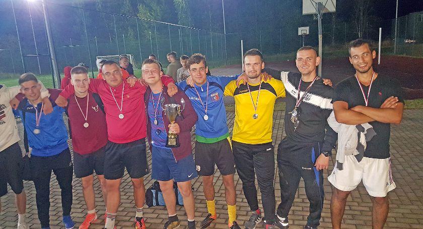 Piłka nożna, Nocny Turniej Puchar Wójta Gminy Łomża wygrała drużyna [FOTO] - zdjęcie, fotografia