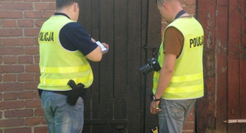 Kronika kryminalna, Gmina Zbójna pojemniku ujawniono zwłoki noworodka! - zdjęcie, fotografia