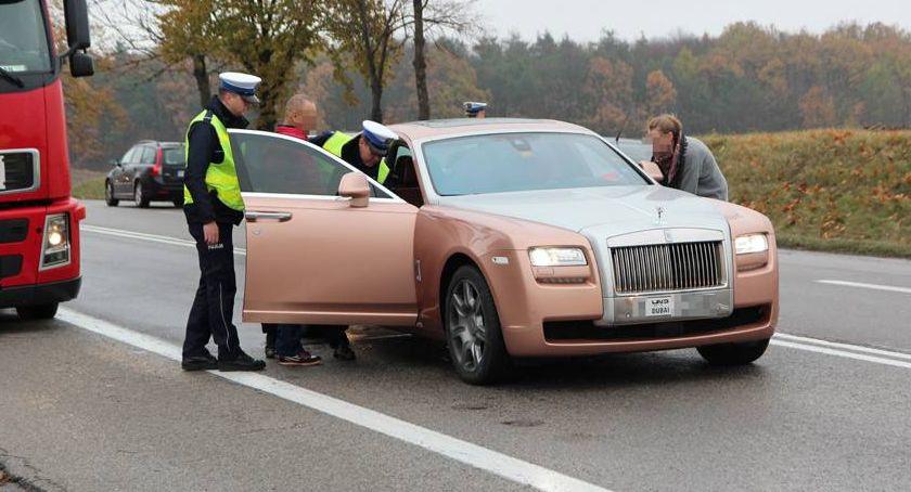 Komunikaty policji , Rolls Royce ulicach Łomży Kierowca stracił prawo jazdy! - zdjęcie, fotografia
