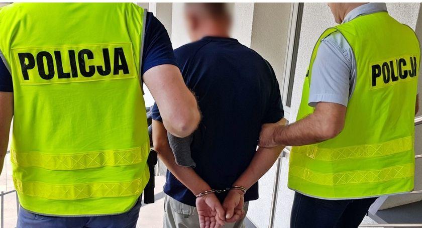 Kronika kryminalna, Napad więzienia kradzież złotych - zdjęcie, fotografia