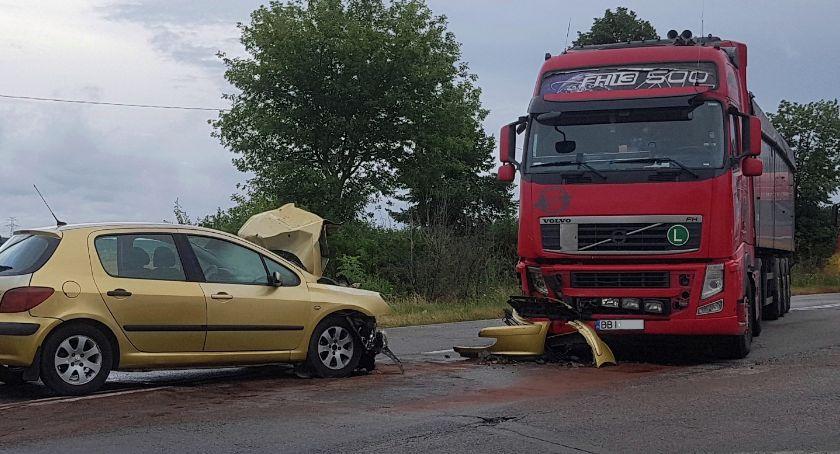 Wypadki drogowe, Wypadek drodze Łomża Śniadowo! Kierowca uprawnień trafił szpitala [FOTO] - zdjęcie, fotografia