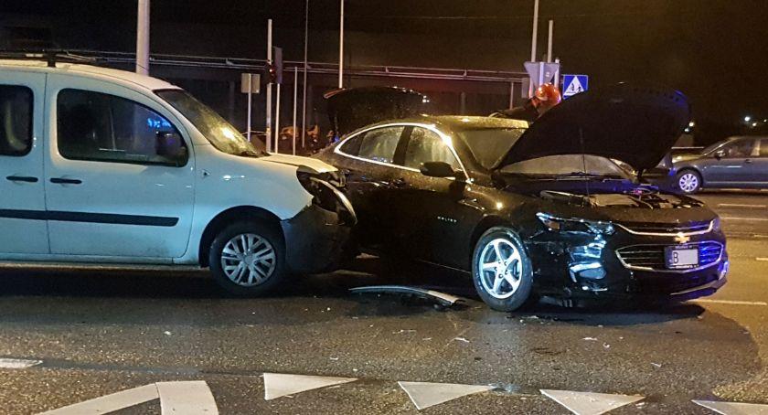 Wypadki drogowe, Nocna kraksa Zawadzkiej - zdjęcie, fotografia