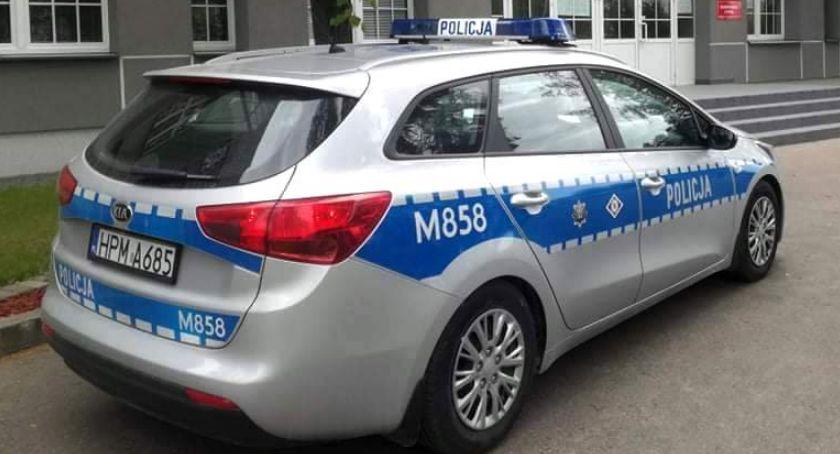 Komunikaty policji , Łomża Dzielnicowy czasie wolnym służby zatrzymał poszukiwanego młodzieńca - zdjęcie, fotografia