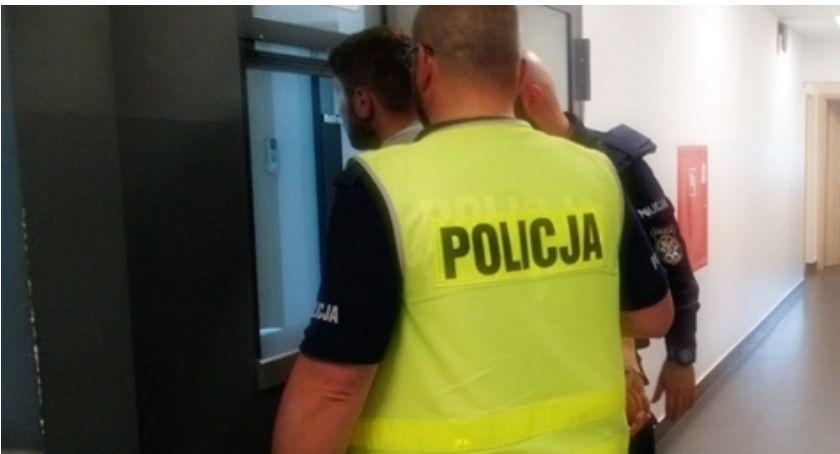 Komunikaty policji , Łomża Policyjny pościg zakończony zatrzymaniem sprawców pobicia! - zdjęcie, fotografia