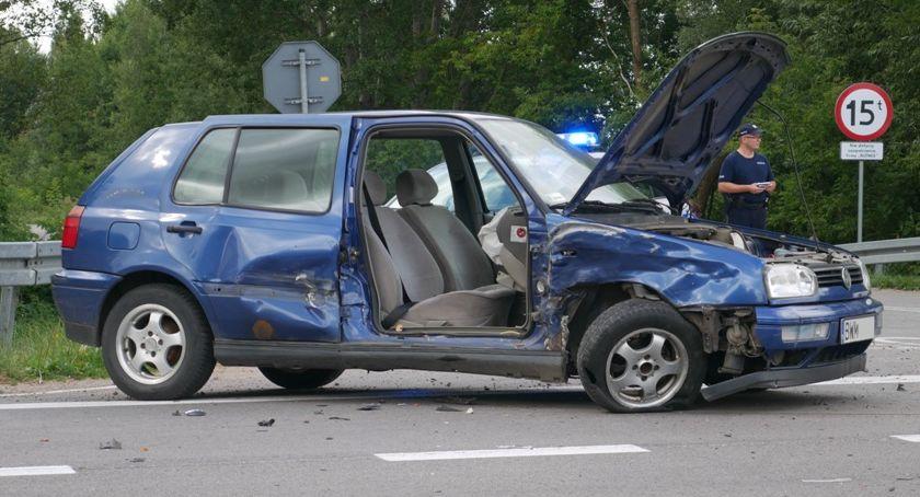 Wypadki drogowe, osobówki zderzyły drodze Wizna Białystok Policja zaleca objazdy! [FOTO] - zdjęcie, fotografia