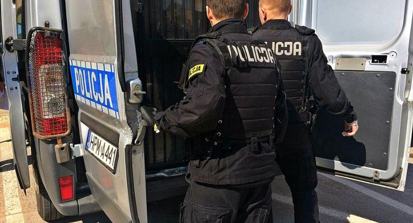 Kronika kryminalna, Łomża Dotykał miejsca intymne dziecka Mężczyzna aresztowany! - zdjęcie, fotografia