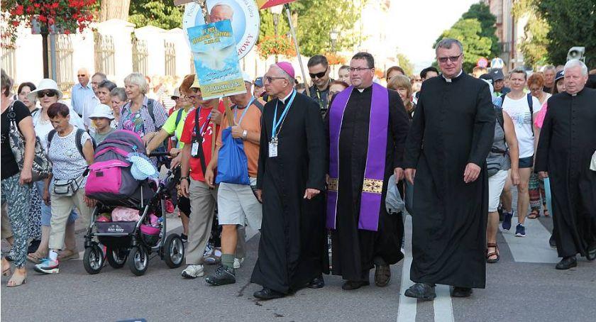 Kościół, Łomża Szczęśliwe wakacje wsparciem miasta - zdjęcie, fotografia