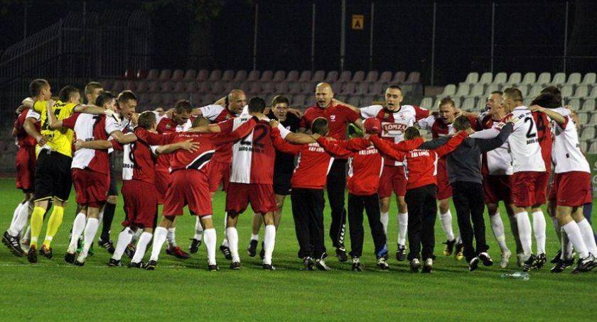 Piłka nożna, Stypendia zawodników zamiast środków promocyjnych - zdjęcie, fotografia