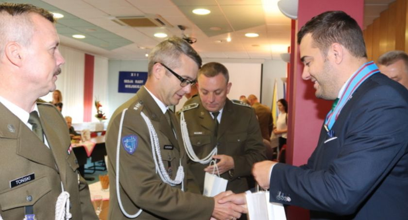 Prezydent Łomży, Prezydent odznaczony podczas spotkania żołnierzami kombatantami [FOTO] - zdjęcie, fotografia