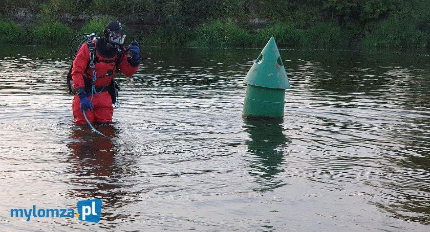 Pożary i interwencje straży, Łomża rzeką znaleziono ubrania dziecka akcji straż policja! [FOTO] - zdjęcie, fotografia