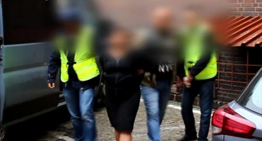 Kronika kryminalna, Łomża kobiety odpowiedzą kradzieże Robiły środku miasta - zdjęcie, fotografia