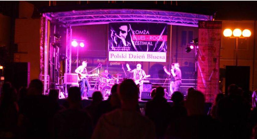 Koncerty, Łomża Zbliża Polski Dzień Bluesa czyli plenerowa impreza Starym Rynku - zdjęcie, fotografia