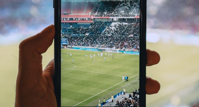 Piłka nożna, Mecze żywo piłkarskie emocje zasięgu ręki - zdjęcie, fotografia
