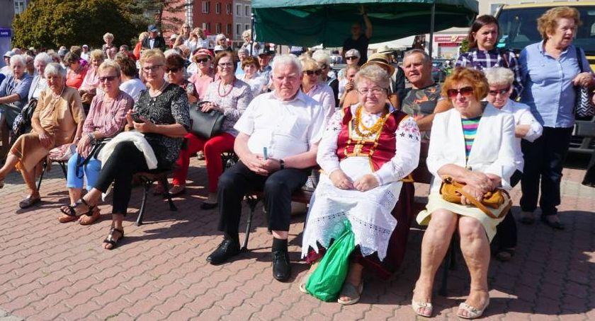 Łomżanie, zaszczepi łomżyńskich seniorów - zdjęcie, fotografia