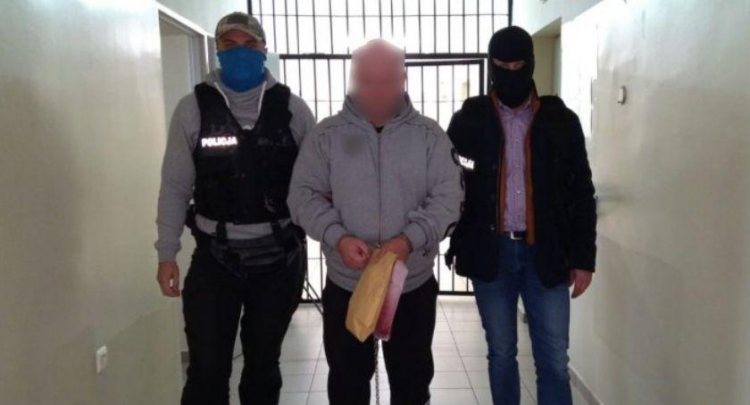 Komunikaty policji , mieli oszukiwać seniorów! Zatrzymali policjanci [FOTO] - zdjęcie, fotografia