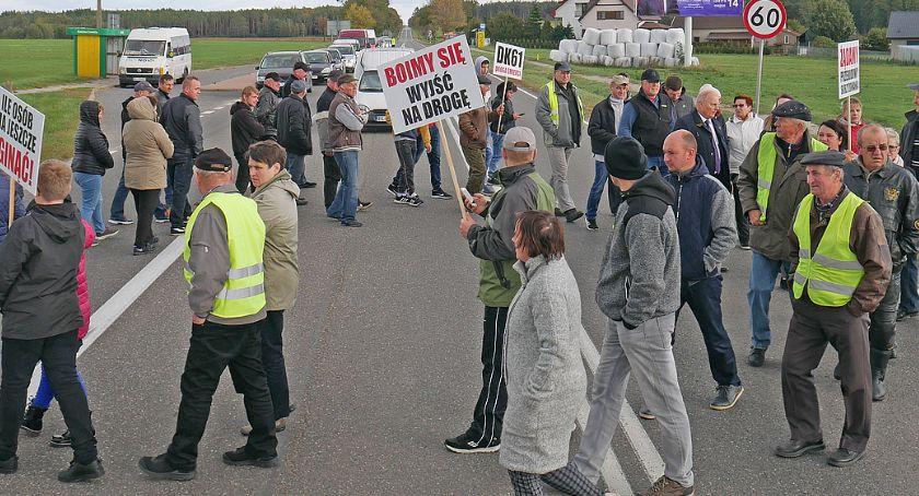 Interwencje, Mieszkańcy protestowali Chojnach Młodych Boimy wyjść drogę [FOTO LIVE] - zdjęcie, fotografia