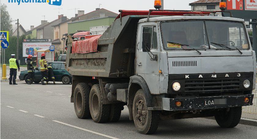 Wypadki drogowe, Cztery pojazdy zderzyły Sikorskiego [FOTO] - zdjęcie, fotografia