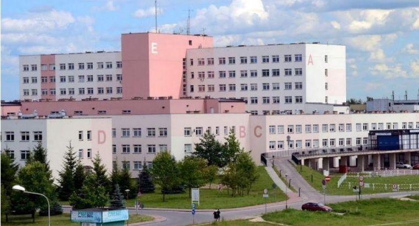 Zdrowie i uroda, Czarne chmury łomżyńskim szpitalem - zdjęcie, fotografia