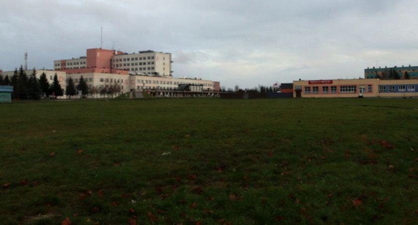 Prezydent Łomży, Boisko szpitala Władze Łomży mają - zdjęcie, fotografia