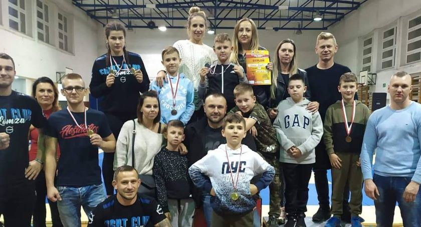 Sztuki walki, Medale młodych łomżyńskich zawodników - zdjęcie, fotografia