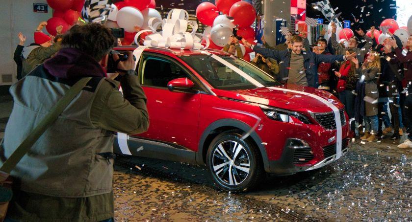 Łomżanie, Mieszkańcy Łomży Grajewa wygrali samochody loterii ORLEN - zdjęcie, fotografia