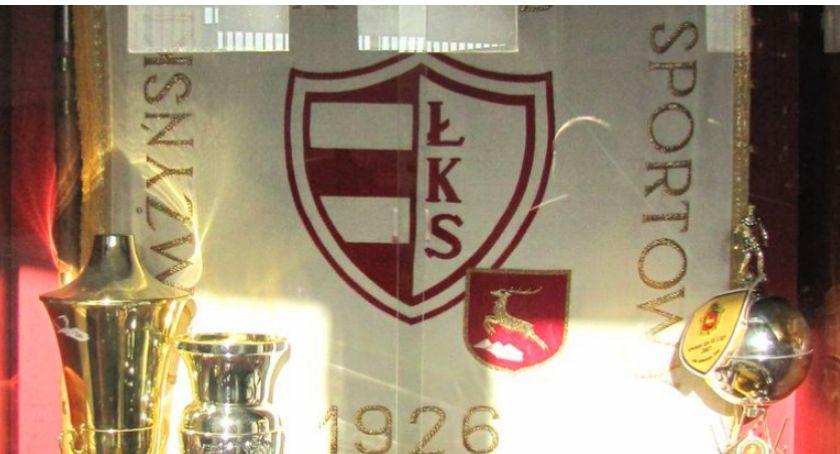 Piłka nożna, Chcą odnowić sztandar Łomżyńskiego Klubu Sportowego - zdjęcie, fotografia
