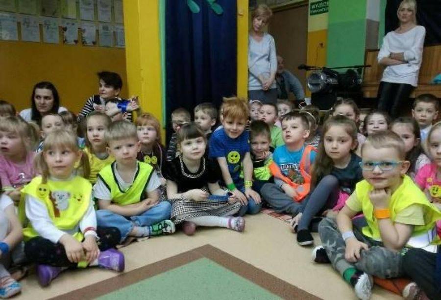 Newsy, Odblaskowa dyskoteka Przedszkolu [FOTO] - zdjęcie, fotografia