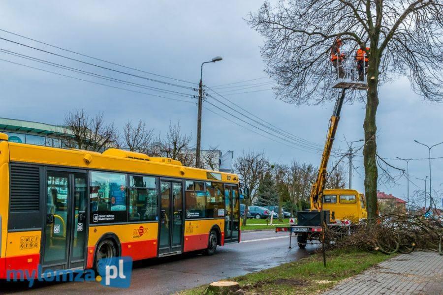 Łomża, Remont Nowogrodzkiej Empeki zmieniają trasy - zdjęcie, fotografia