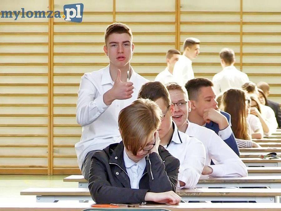 Newsy, Ostatni egzamin gimnazjalny jutra zmagania arkuszami Kolejne zmiany roku! - zdjęcie, fotografia