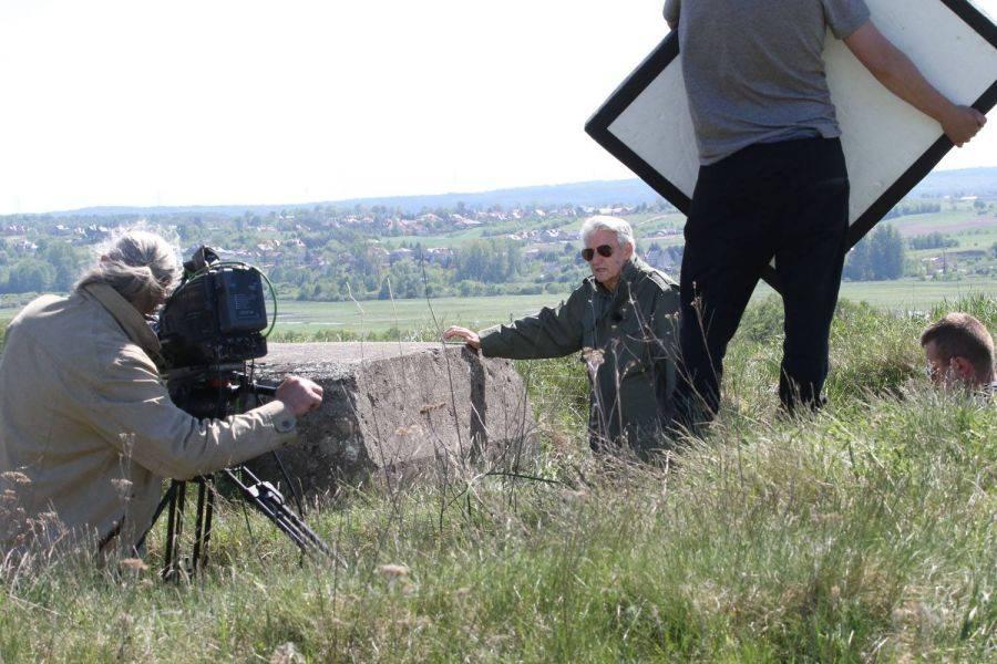 """Region, Bogusław Wołoszański kręcił Piątnicy """"Tajną historię wieku"""" [FOTO] - zdjęcie, fotografia"""