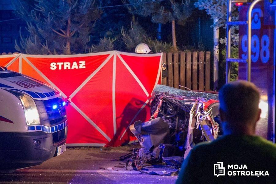 Region, Samochód przepołowiony Śmiertelny wypadek Białobieli [FOTO] - zdjęcie, fotografia