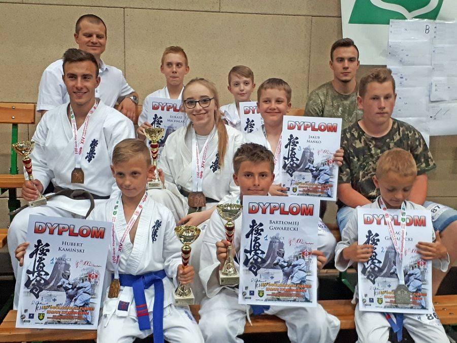 Rekreacja sportowa , Medale łomżyńskich karateków [FOTO] - zdjęcie, fotografia