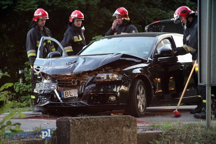 Newsy, Policyjny pościg wypadek Czterech policjantów szpitalu! [VIDEO FOTO] - zdjęcie, fotografia