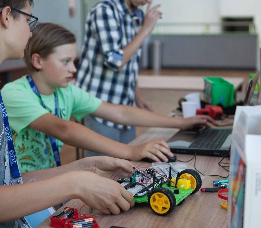 Newsy, RoboExe czyli nauka zabawa jednym [VIDEO FOTO] - zdjęcie, fotografia