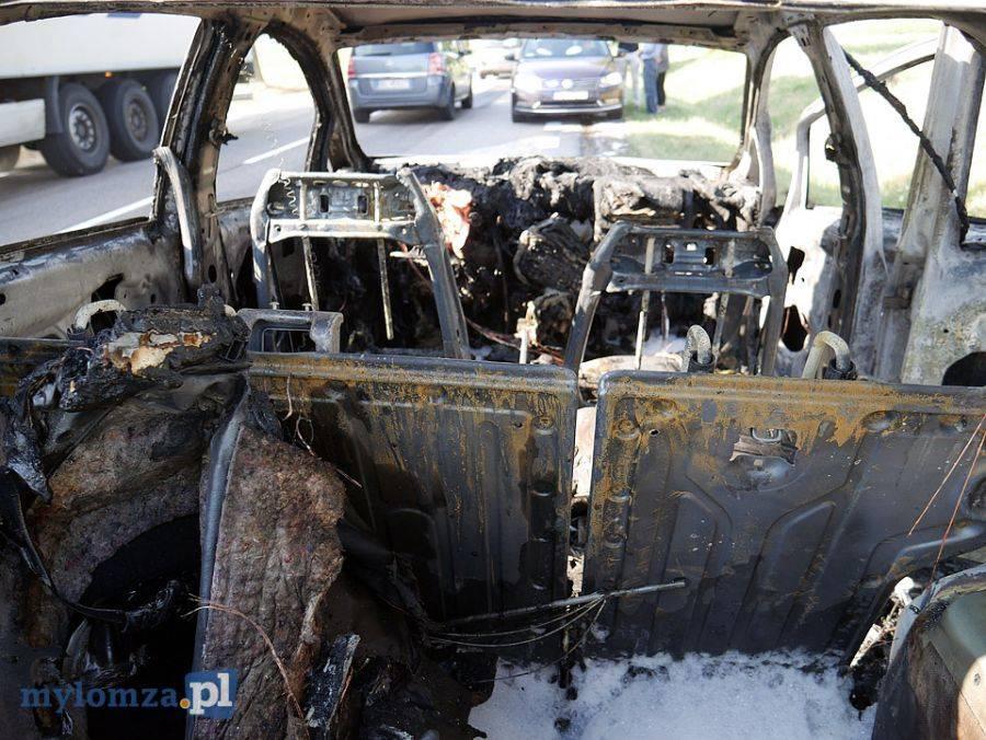 Region, Spłonął samochód nauki jazdy [FOTO] - zdjęcie, fotografia