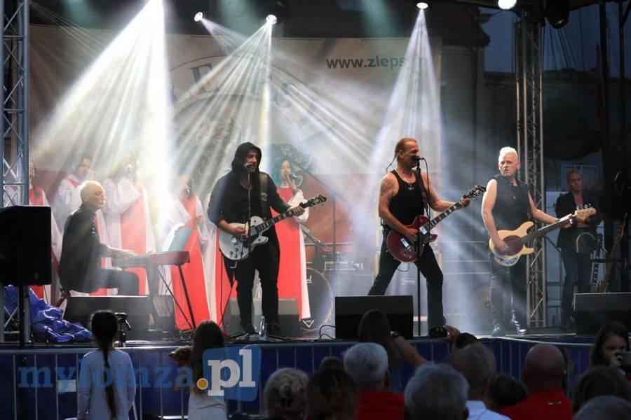 Kultura, Muzycznie patriotycznie łomżyńskiej starówce [VIDEO FOTO] - zdjęcie, fotografia