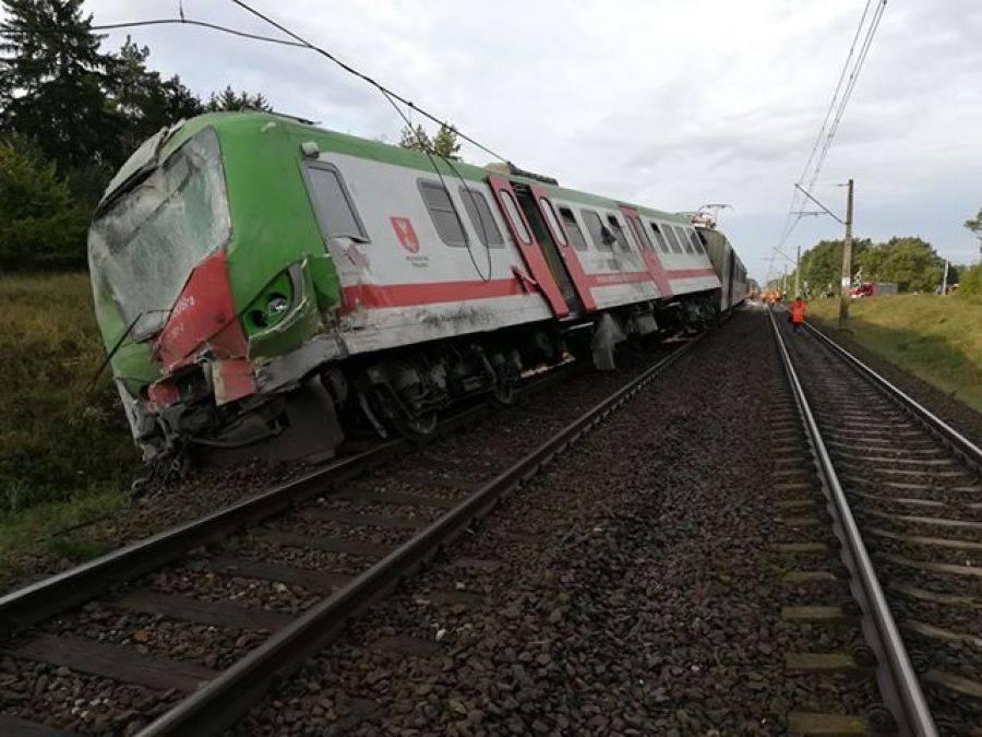 Newsy, Wypadek przejeździe kolejowym [FOTO] - zdjęcie, fotografia