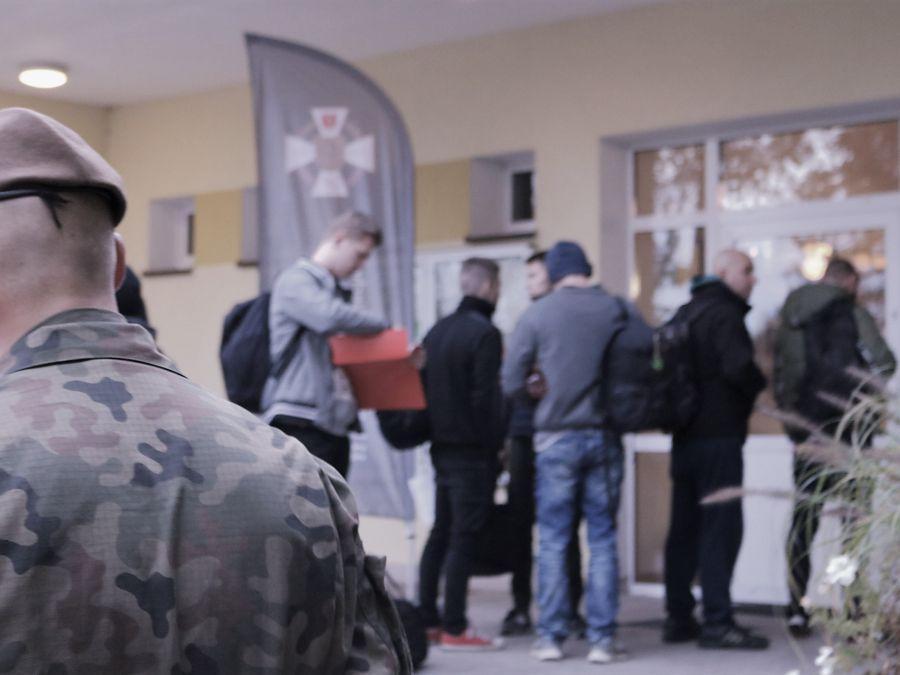 Łomża, Kolejni ochotnicy zgłosili służby - zdjęcie, fotografia