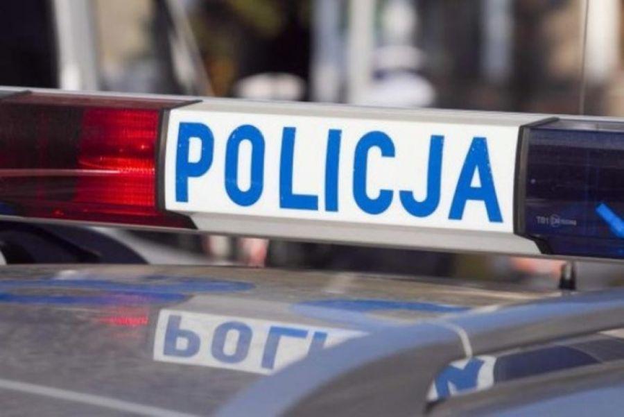 Komunikaty policji , Policjanci pilotowali szpitala samochód rocznym dzieckiem - zdjęcie, fotografia