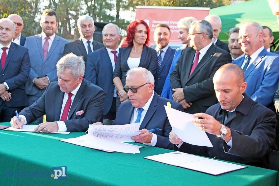 Biznes, Umowa budowę obwodnicy Łomży podpisana [FOTO VIDEO] - zdjęcie, fotografia