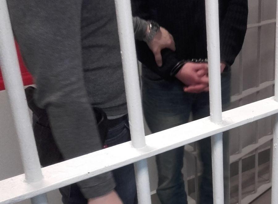 Kronika kryminalna, Młodzi narkotykami - zdjęcie, fotografia