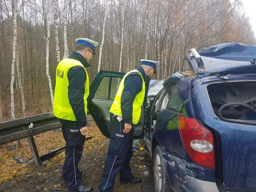 Wypadki drogowe, [AKTUALIZACJA] Śmiertelny wypadek [FOTO VIDEO] - zdjęcie, fotografia