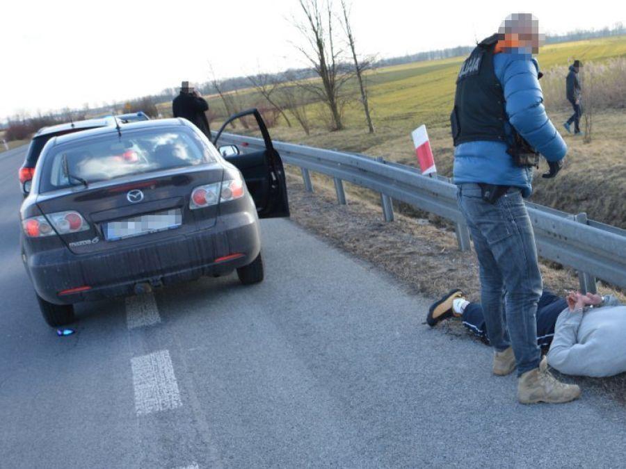 Kronika kryminalna, zatrzymał kontroli pijany poszukiwany - zdjęcie, fotografia