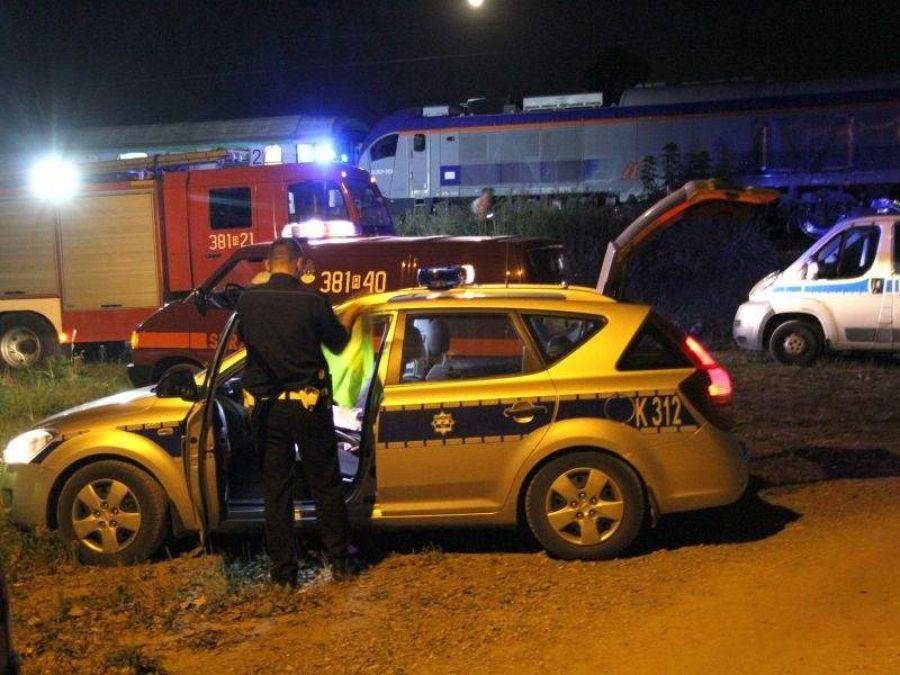 Wypadki drogowe, Śmierć kołami pociągu - zdjęcie, fotografia